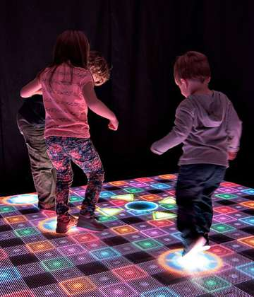 BrightLogic's ActiveFloor Lets Users Play, Dance and Create Special Effects